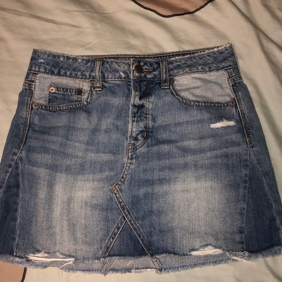 American Eagle Outfitters Dresses & Skirts - American Eagle denim skirt